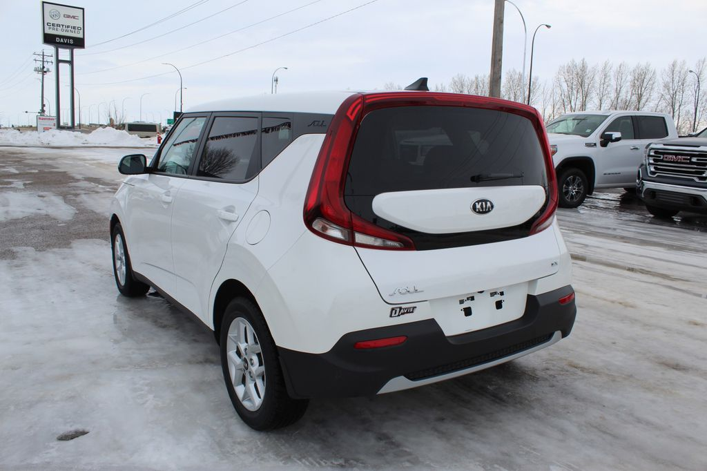 White 2020 Kia Soul Driver's Side Door Controls Photo in Medicine Hat AB