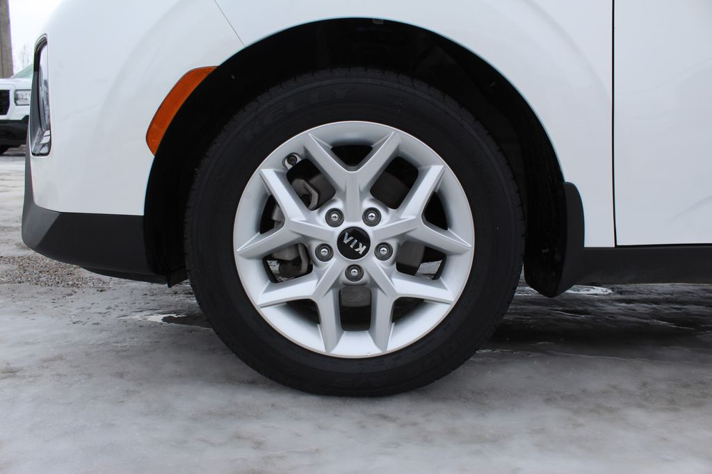White 2020 Kia Soul Front Vehicle Photo in Medicine Hat AB