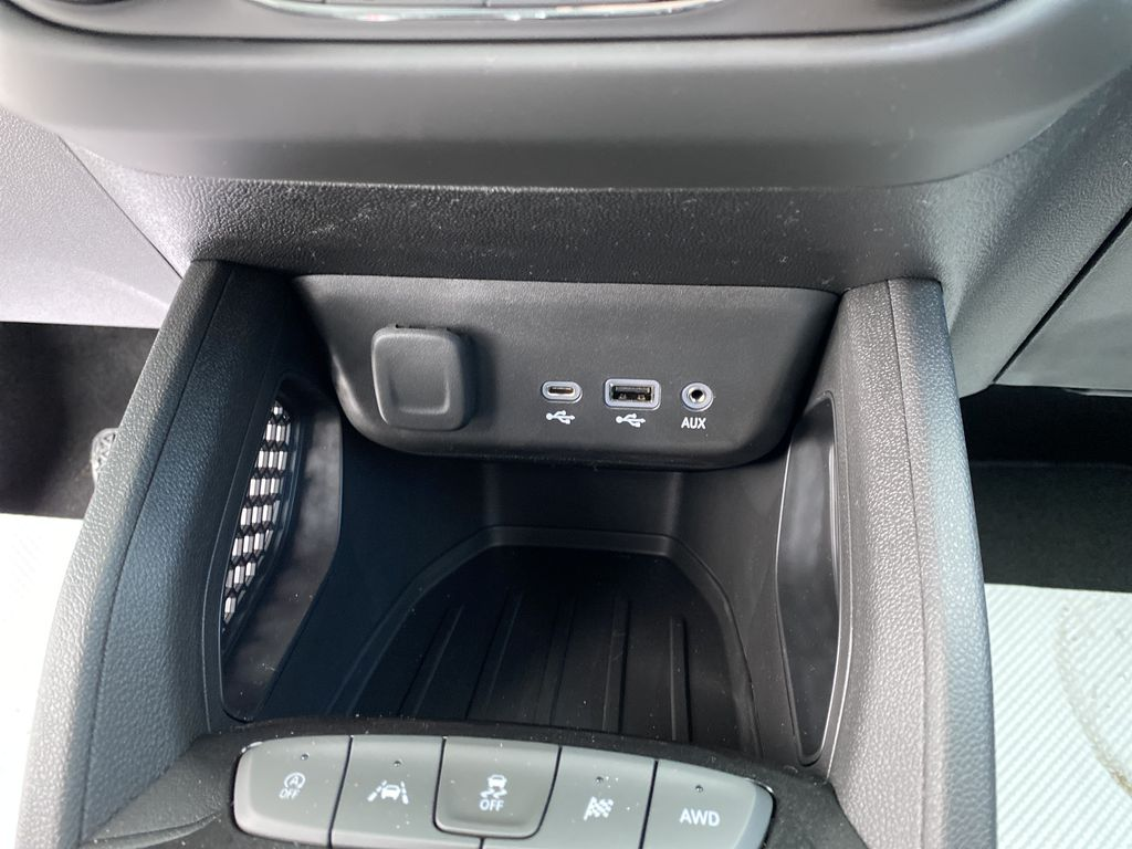 White[Summit White] 2021 Chevrolet Trailblazer Charge Ports/Pads (If applicable) in Nipawin SK
