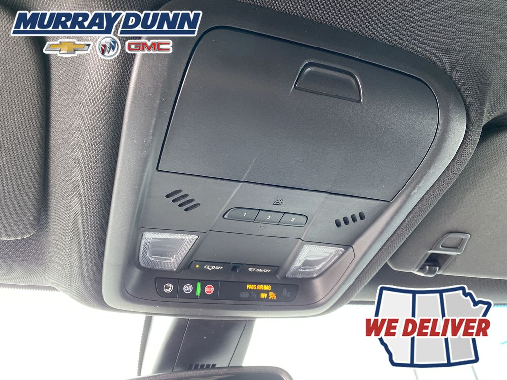 White[Iridescent Pearl Tricoat] 2021 Chevrolet Blazer Roof Mounted Controls Photo in Nipawin SK