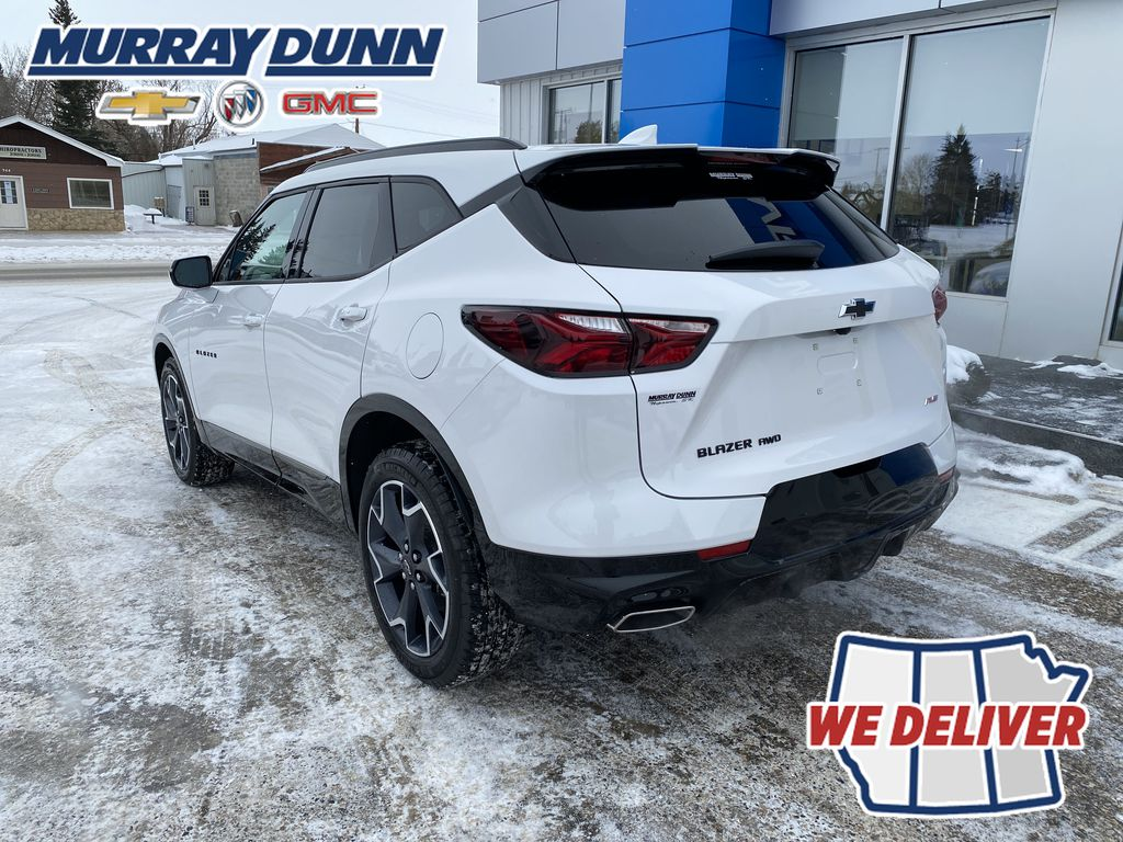 White[Iridescent Pearl Tricoat] 2021 Chevrolet Blazer Left Rear Corner Photo in Nipawin SK