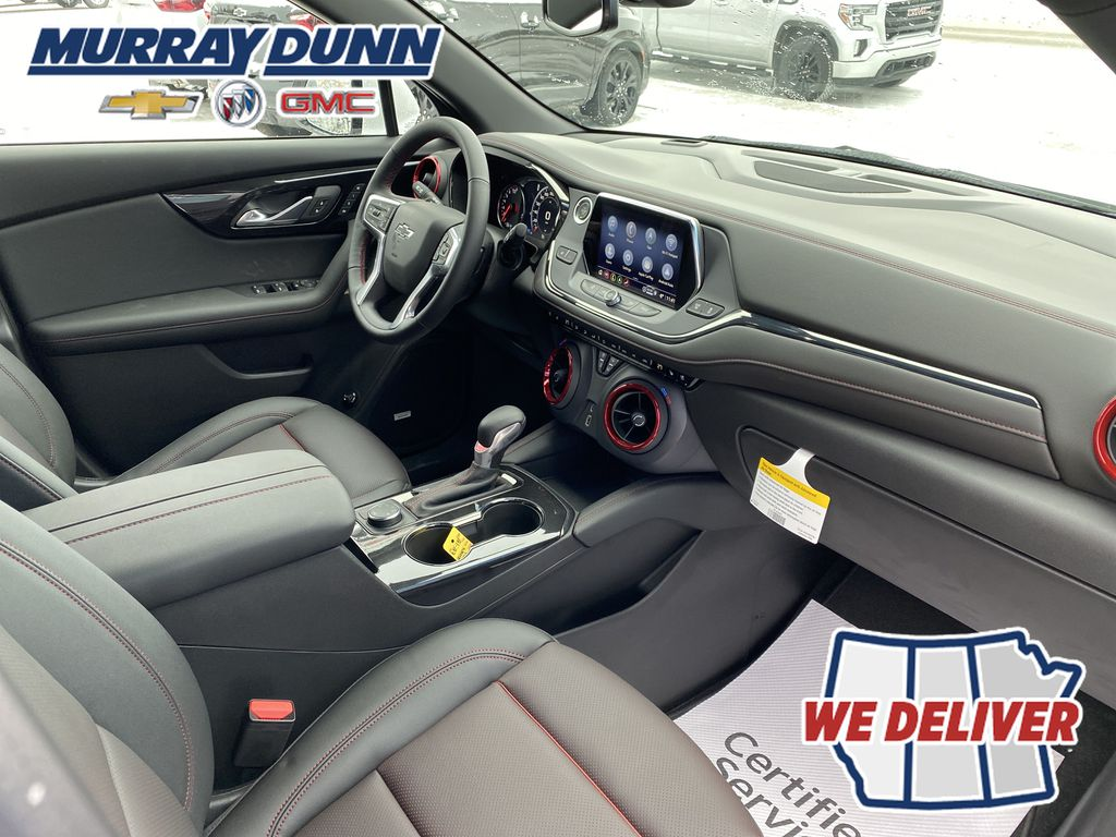 White[Iridescent Pearl Tricoat] 2021 Chevrolet Blazer Front Right Interior Photo in Nipawin SK