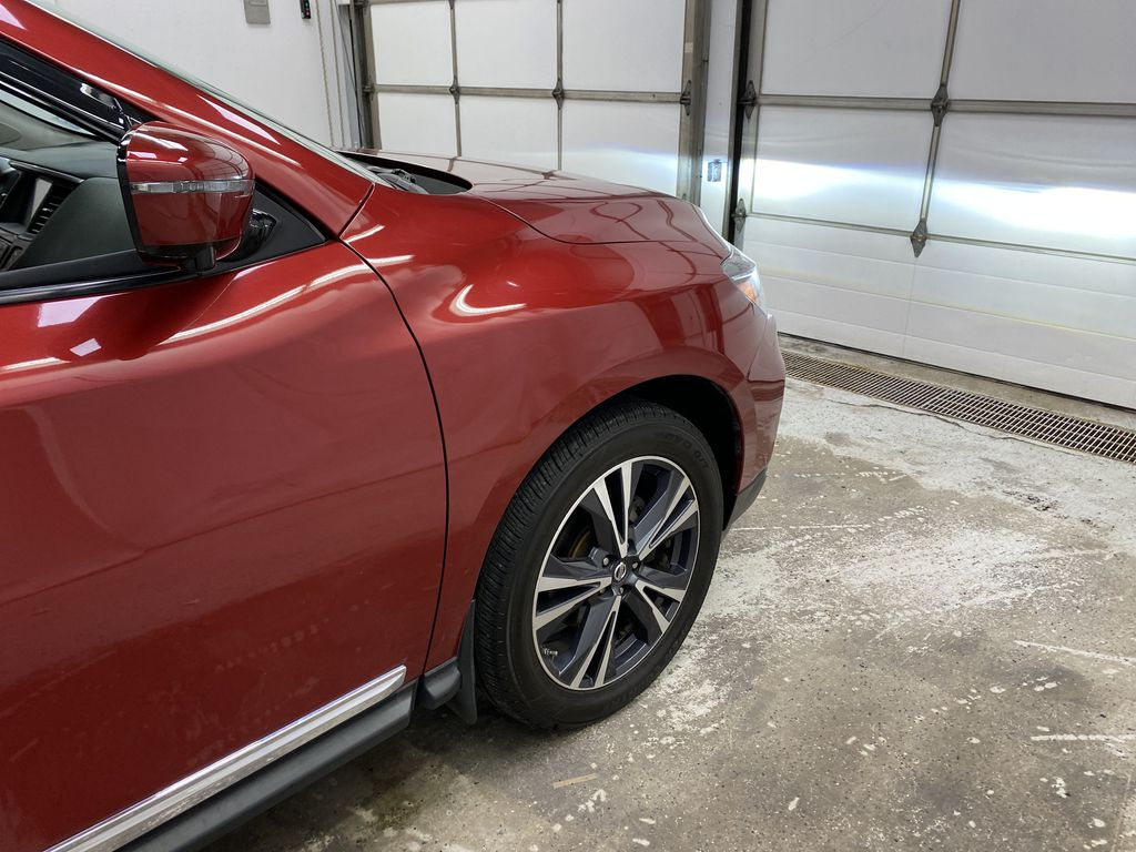 Red[Cayenne Red Metallic] 2017 Nissan Pathfinder Right Front Corner Photo in Dartmouth NS