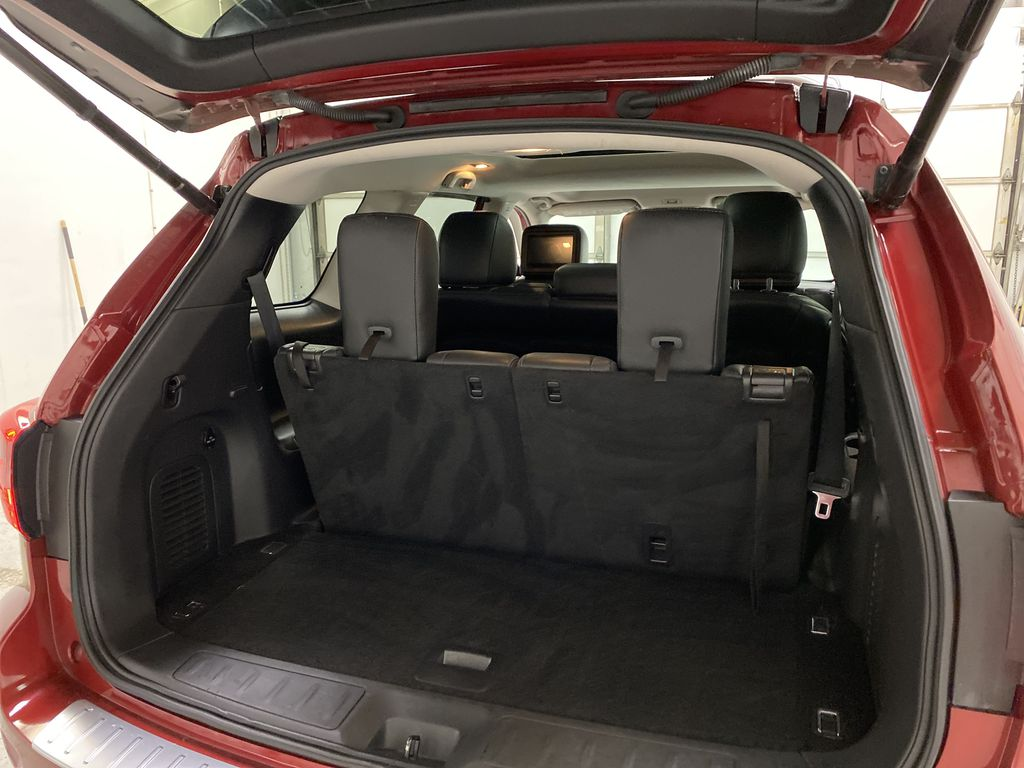 Red[Cayenne Red Metallic] 2017 Nissan Pathfinder Trunk / Cargo Area Photo in Dartmouth NS