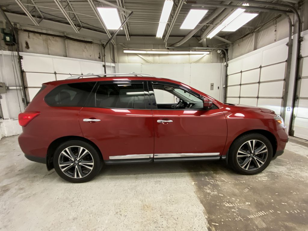 Red[Cayenne Red Metallic] 2017 Nissan Pathfinder Right Side Photo in Dartmouth NS