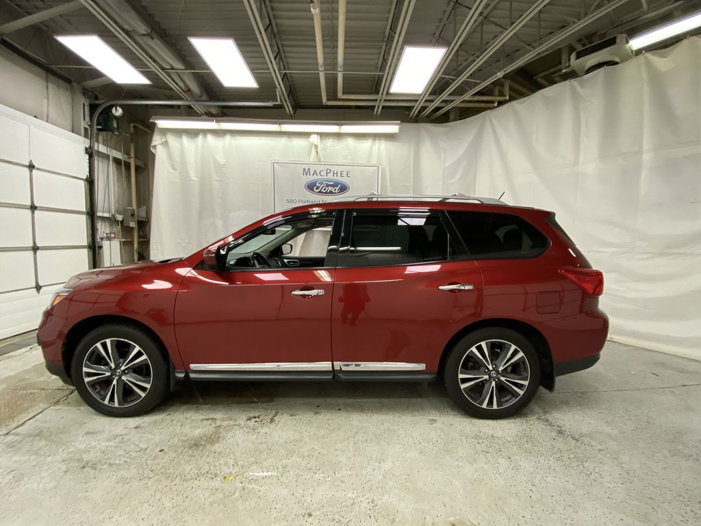 Red[Cayenne Red Metallic] 2017 Nissan Pathfinder Left Side Photo in Dartmouth NS