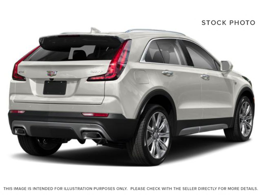 White[Crystal White Tricoat] 2020 Cadillac XT4 Right Rear Corner Photo in Edmonton AB