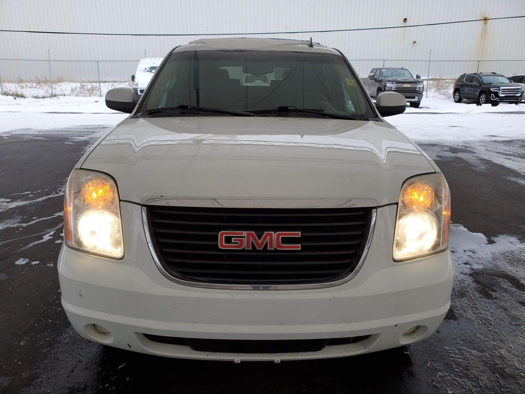 2011 GMC Yukon Left Front Corner Photo in Airdrie AB