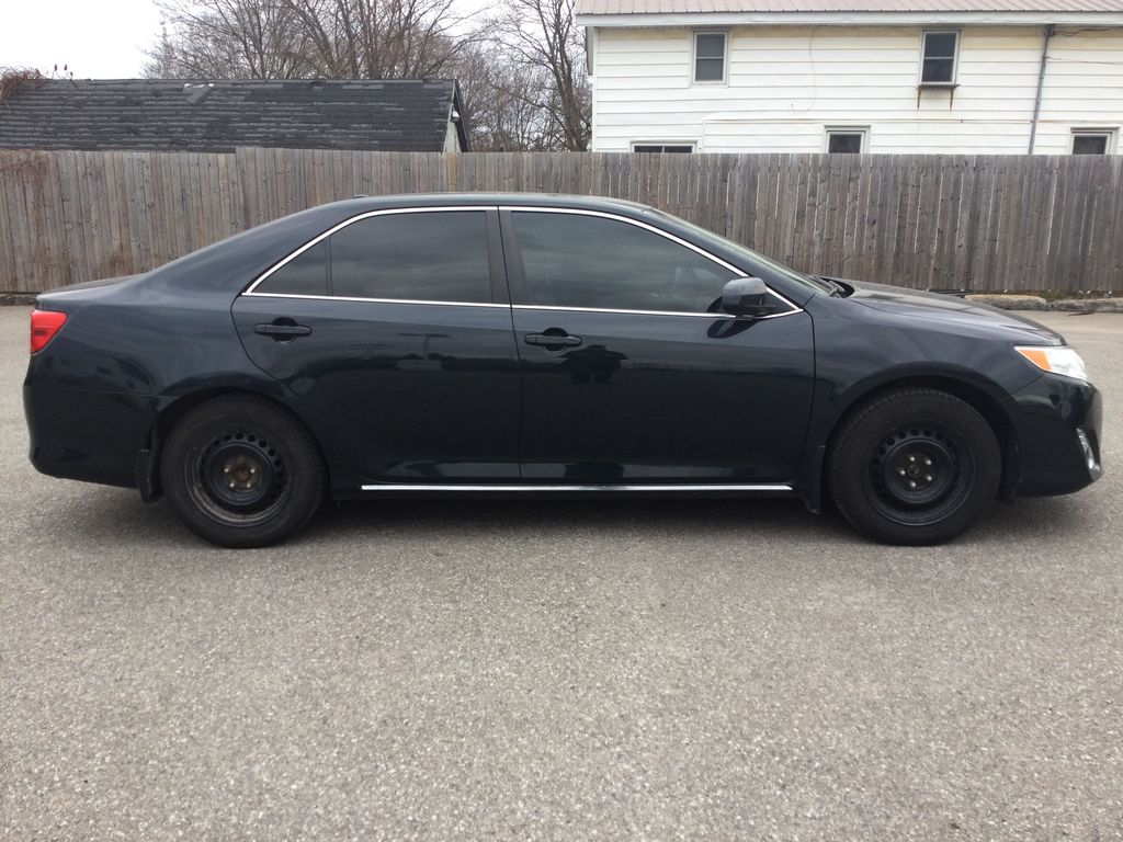 2014 Toyota Camry Right Side Photo in Brockville ON