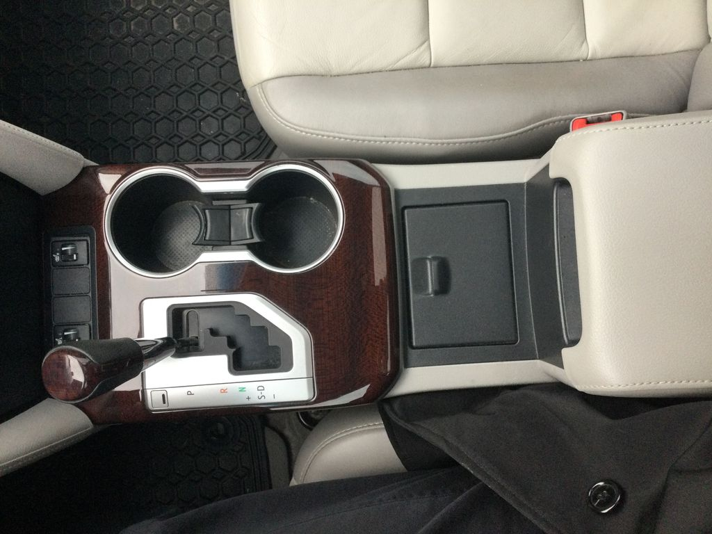2014 Toyota Camry Center Console Photo in Brockville ON