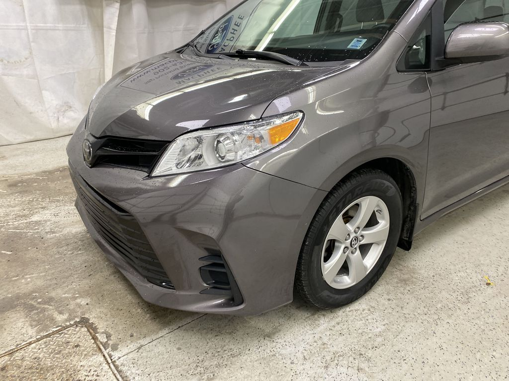 MAGNETIC 2018 Toyota Sienna Left Front Corner Photo in Dartmouth NS