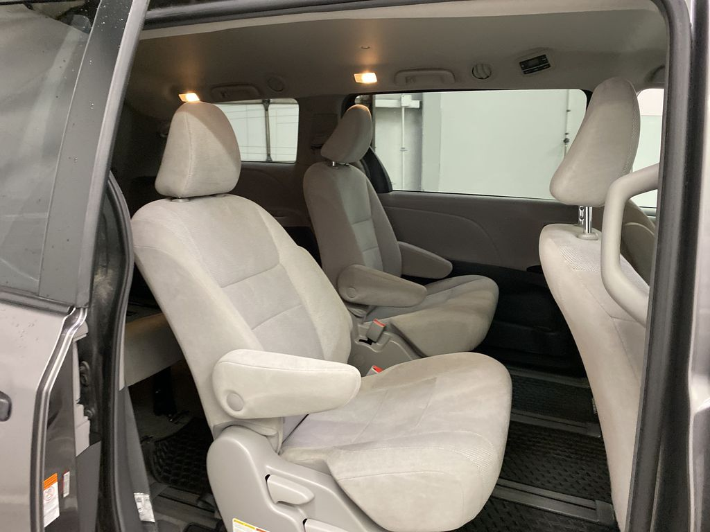 MAGNETIC 2018 Toyota Sienna Right Side Rear Seat  Photo in Dartmouth NS