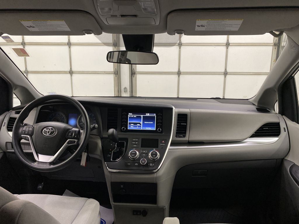 MAGNETIC 2018 Toyota Sienna Strng Wheel/Dash Photo: Frm Rear in Dartmouth NS