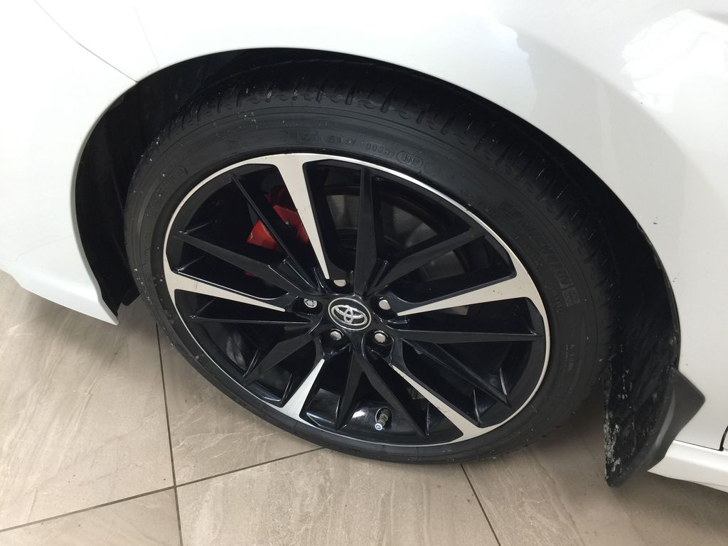 White[Platinum White Pearl w/Black Roof] 2018 Toyota Camry XSE V6 Left Front Rim and Tire Photo in Sherwood Park AB
