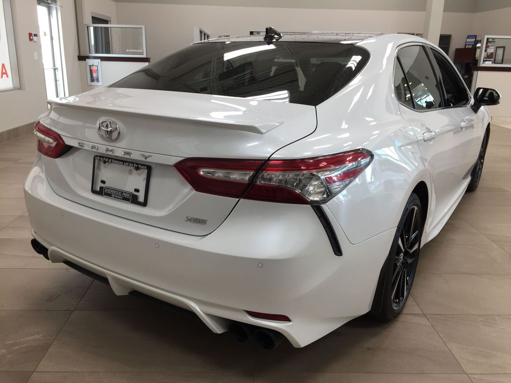 White[Platinum White Pearl w/Black Roof] 2018 Toyota Camry XSE V6 Right Rear Corner Photo in Sherwood Park AB