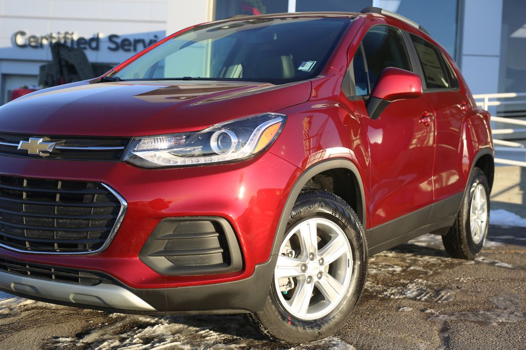2021 Chevrolet Trax Left Front Head Light / Bumper and Grill in Barrhead AB