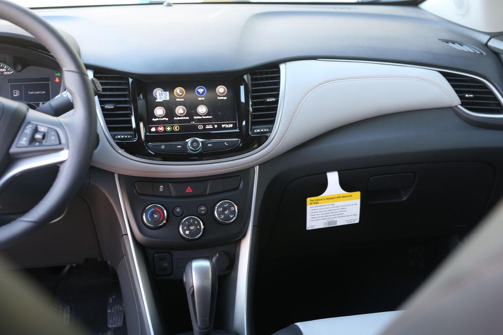 2021 Chevrolet Trax LR Door Panel Ctls Photo in Barrhead AB