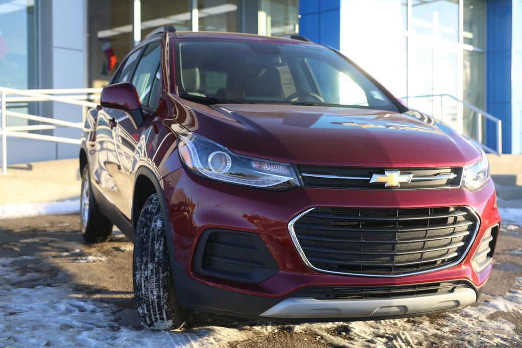 2021 Chevrolet Trax Left Front Interior Photo in Barrhead AB