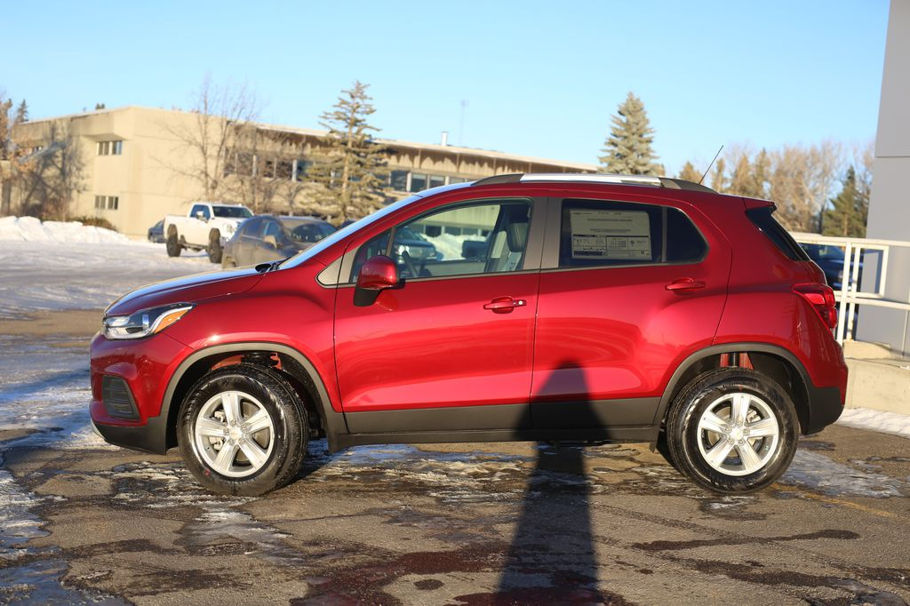 2021 Chevrolet Trax Left Front Corner Photo in Barrhead AB