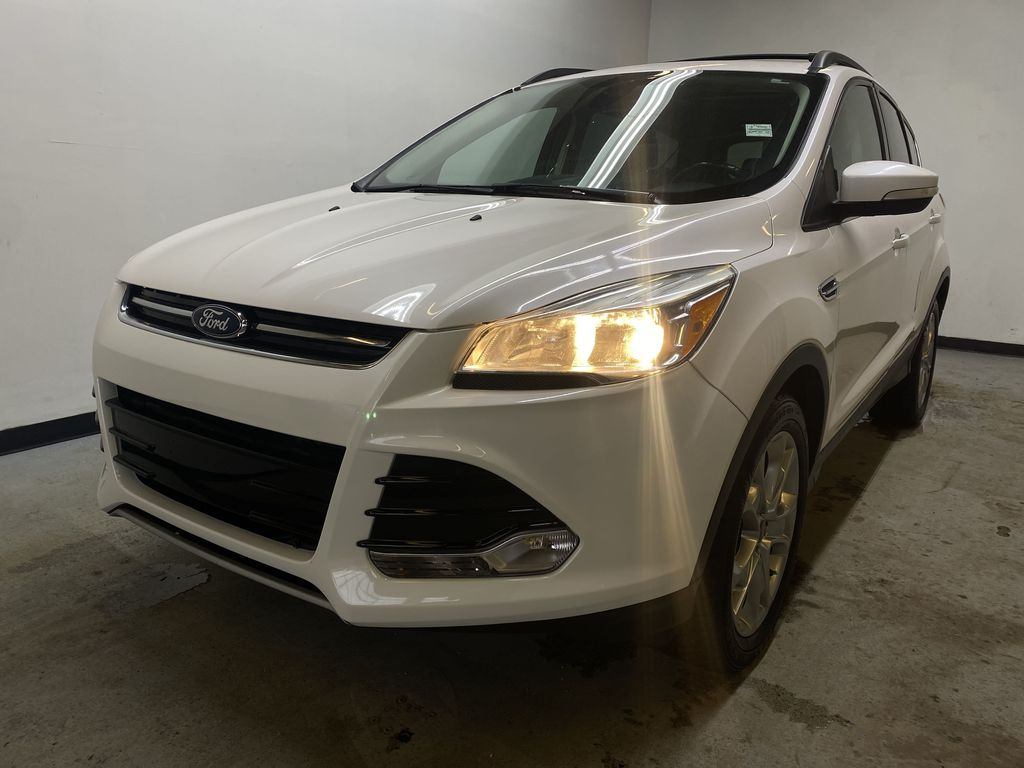 WHITE 2013 Ford Escape Left Front Head Light / Bumper and Grill in Edmonton AB