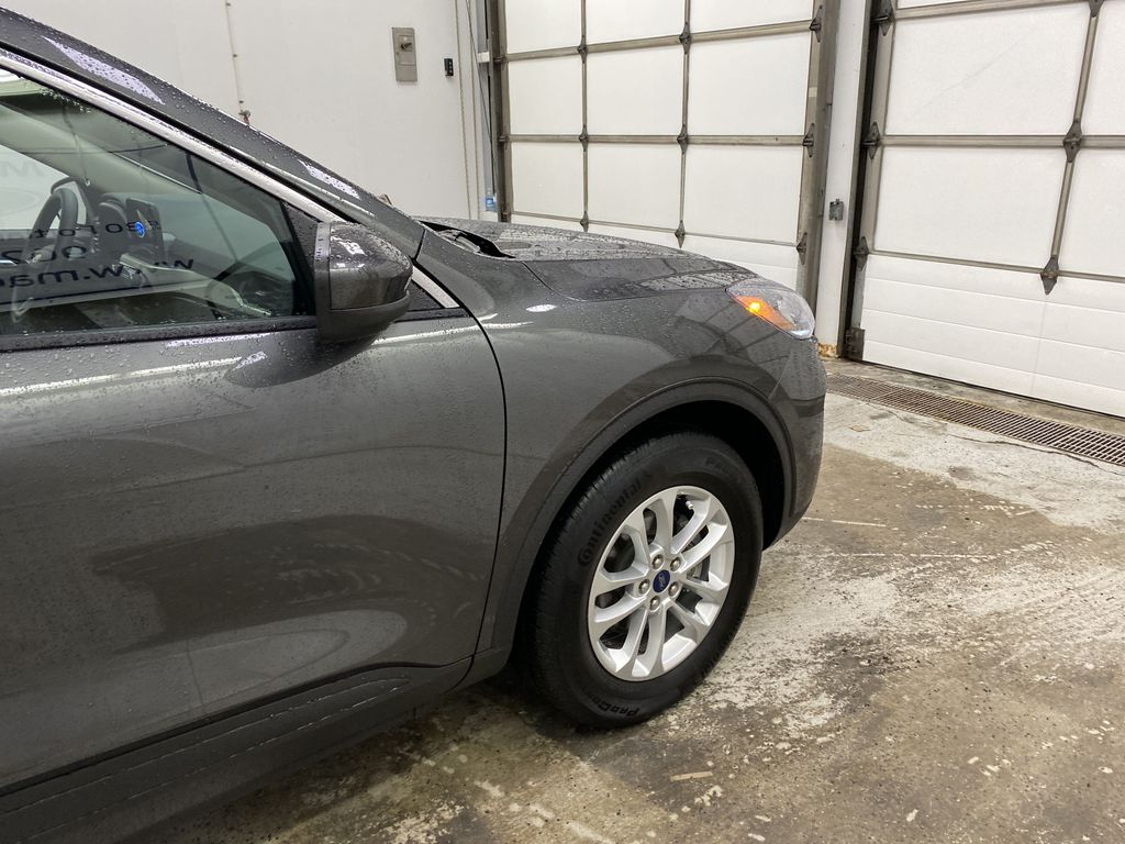 MAGNETIC 2020 Ford Escape Right Front Corner Photo in Dartmouth NS