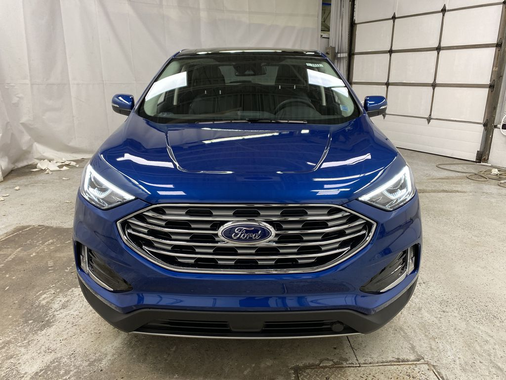 Blue[Atlas Blue Metallic] 2020 Ford Edge Front Vehicle Photo in Dartmouth NS