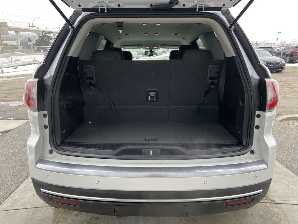 White[White Frost Tricoat] 2016 GMC Acadia SLE Trunk / Cargo Area Photo in Calgary AB
