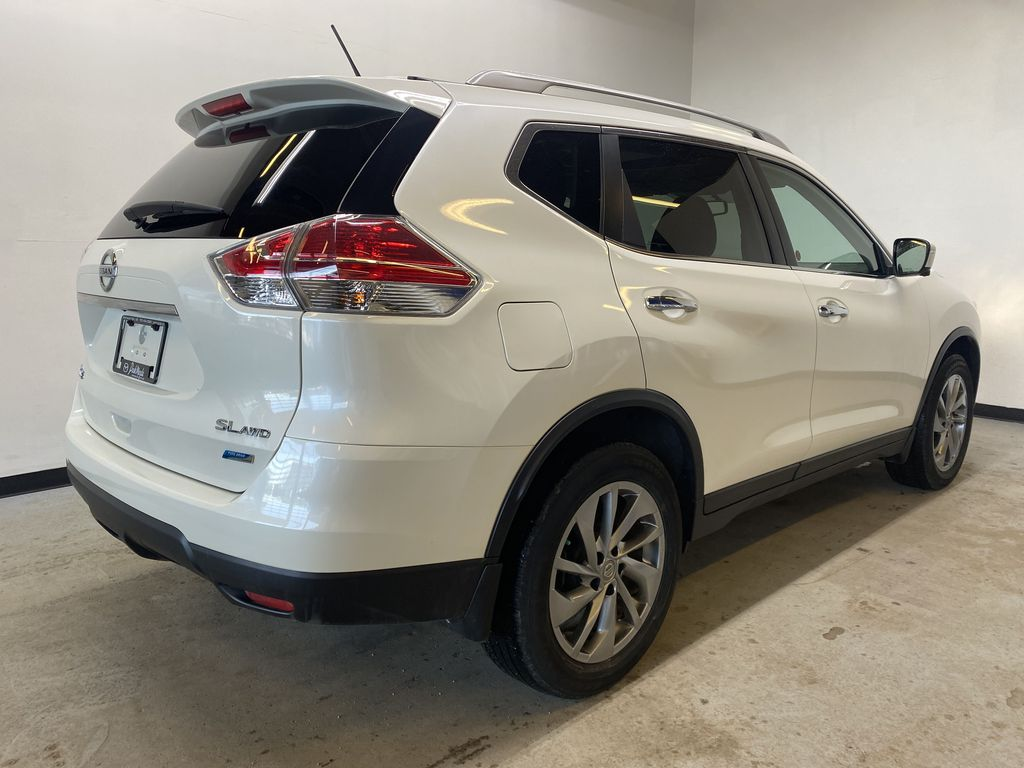 WHITE 2015 Nissan Rogue SL - Bluetooth, Backup Camera, Heated Front Seats Right Rear Corner Photo in Edmonton AB