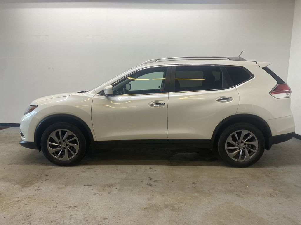 WHITE 2015 Nissan Rogue SL - Bluetooth, Backup Camera, Heated Front Seats Left Side Photo in Edmonton AB