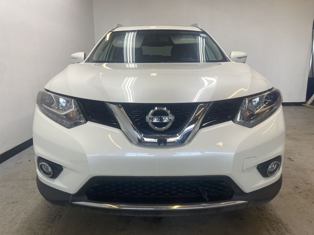 WHITE 2015 Nissan Rogue SL - Bluetooth, Backup Camera, Heated Front Seats Front Vehicle Photo in Edmonton AB