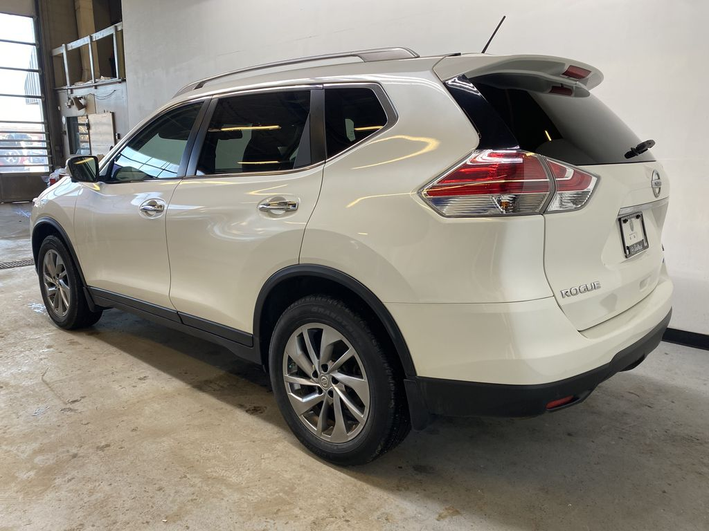 WHITE 2015 Nissan Rogue SL - Bluetooth, Backup Camera, Heated Front Seats Left Rear Corner Photo in Edmonton AB