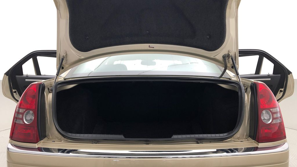 Gold[White Gold Pearl] 2010 Chrysler 300 Limited - Leather, Sunroof, SiriusXM Radio, CHEAP Trunk / Cargo Area Photo in Winnipeg MB