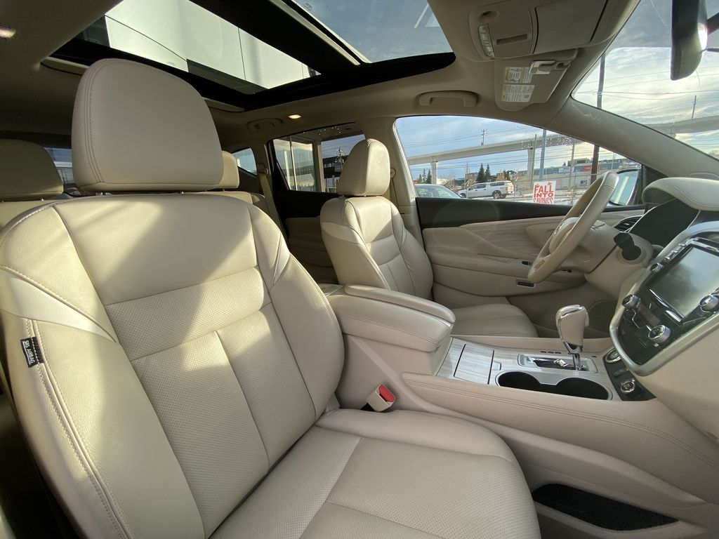 2017 Nissan Murano SL Right Side Front Seat  Photo in Calgary AB