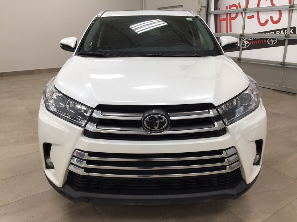 White[Blizzard Pearl] 2017 Toyota Highlander XLE Front Vehicle Photo in Sherwood Park AB
