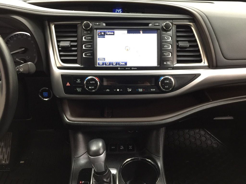 White[Blizzard Pearl] 2017 Toyota Highlander XLE Central Dash Options Photo in Sherwood Park AB