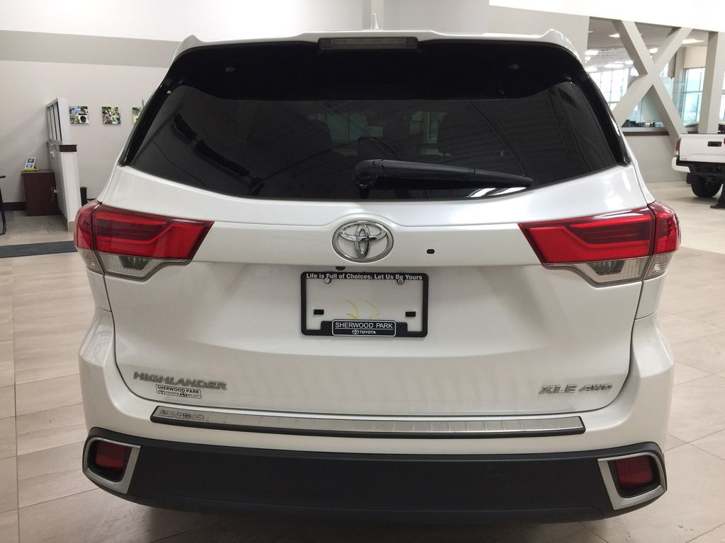 White[Blizzard Pearl] 2017 Toyota Highlander XLE Rear of Vehicle Photo in Sherwood Park AB