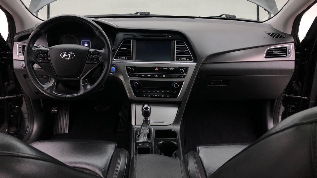 Black[Black Noir Pearl Metallic] 2015 Hyundai Sonata Sport Tech - Panoramic Roof, Navigation, Bluetooth Central Dash Options Photo in Winnipeg MB