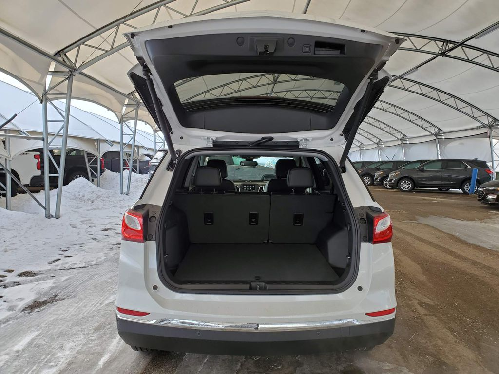 White 2021 Chevrolet Equinox Strng Wheel: Frm Rear in Airdrie AB