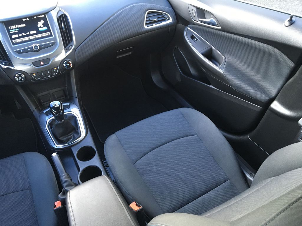 Blue[Arctic Blue Metallic] 2017 Chevrolet Cruze LT Right Side Front Seat  Photo in Kelowna BC
