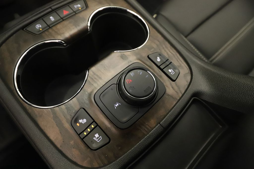 Dark Grey 2021 GMC Acadia Central Dash Options Photo in Lethbridge AB