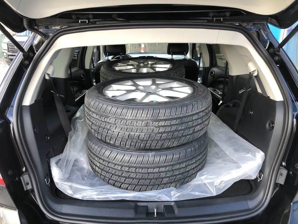 Black[Pitch Black] 2015 Dodge Journey R/T Trunk / Cargo Area Photo in Canmore AB