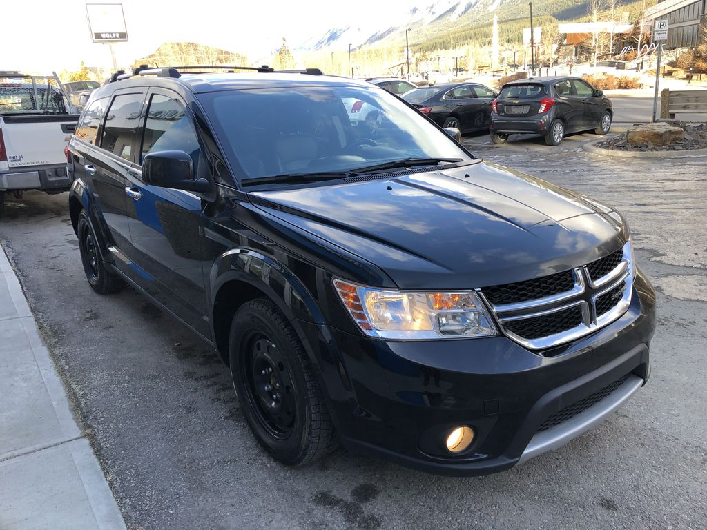 Black[Pitch Black] 2015 Dodge Journey R/T Right Front Corner Photo in Canmore AB