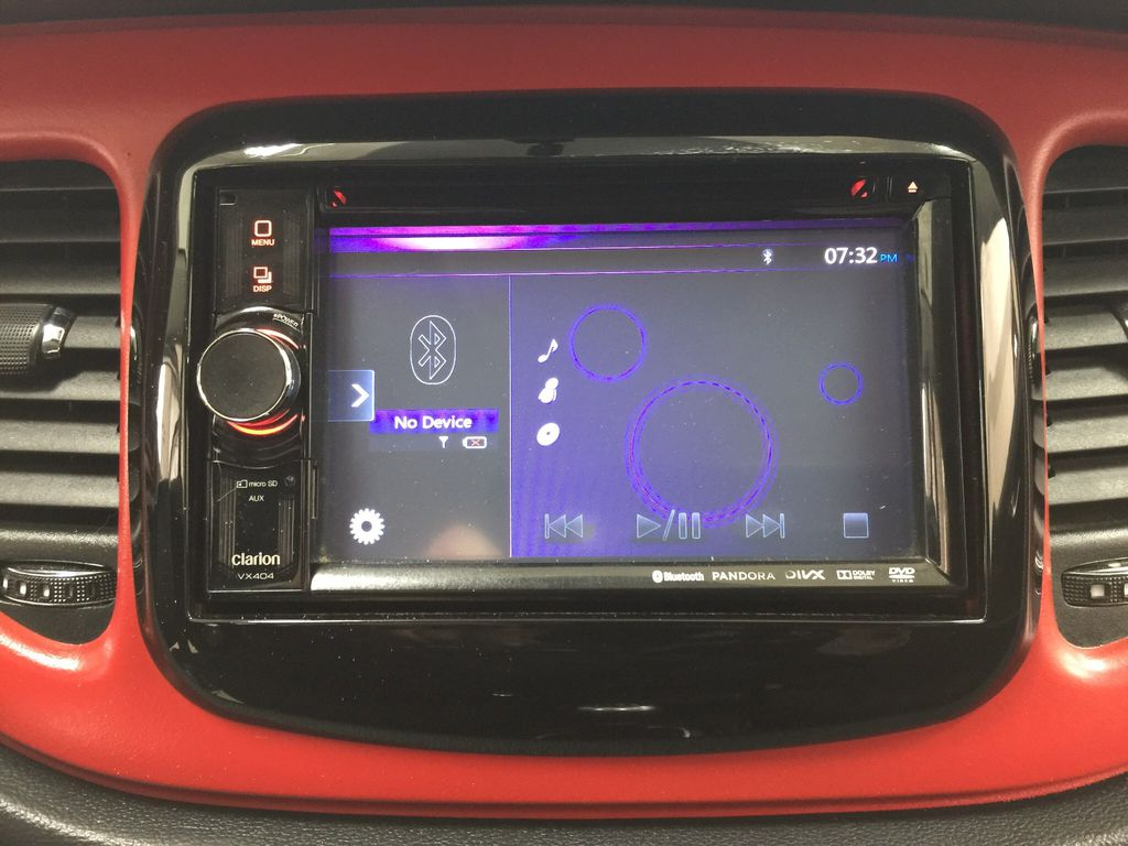 White[Bright White Clearcoat] 2014 Dodge Dart Infotainment Closeup Photo in Sherwood Park AB