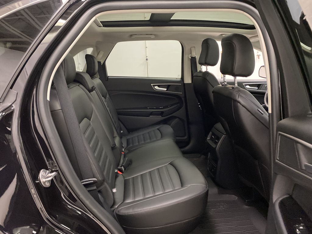Black[Agate Black] 2020 Ford Edge Right Side Rear Seat  Photo in Dartmouth NS