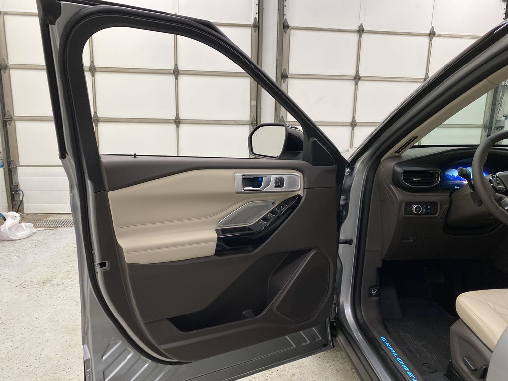 Silver[Iconic Silver Metallic] 2021 Ford Explorer Left Front Interior Door Panel Photo in Dartmouth NS