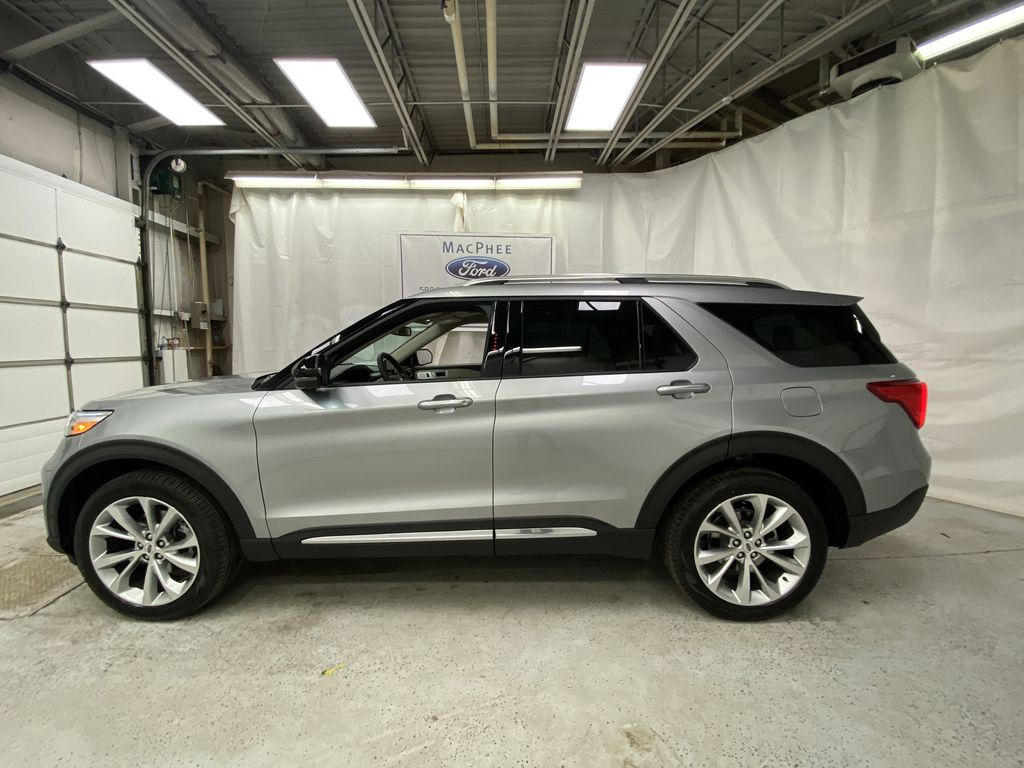 Silver[Iconic Silver Metallic] 2021 Ford Explorer Left Side Photo in Dartmouth NS