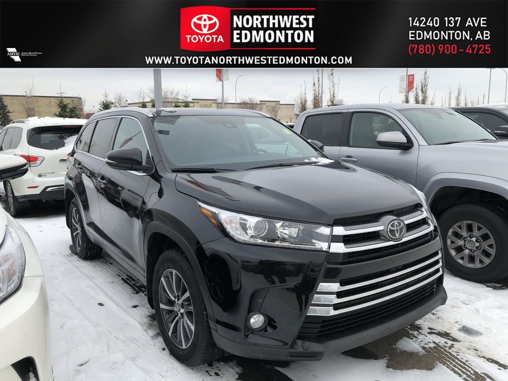 Black 2018 Toyota Highlander XLE