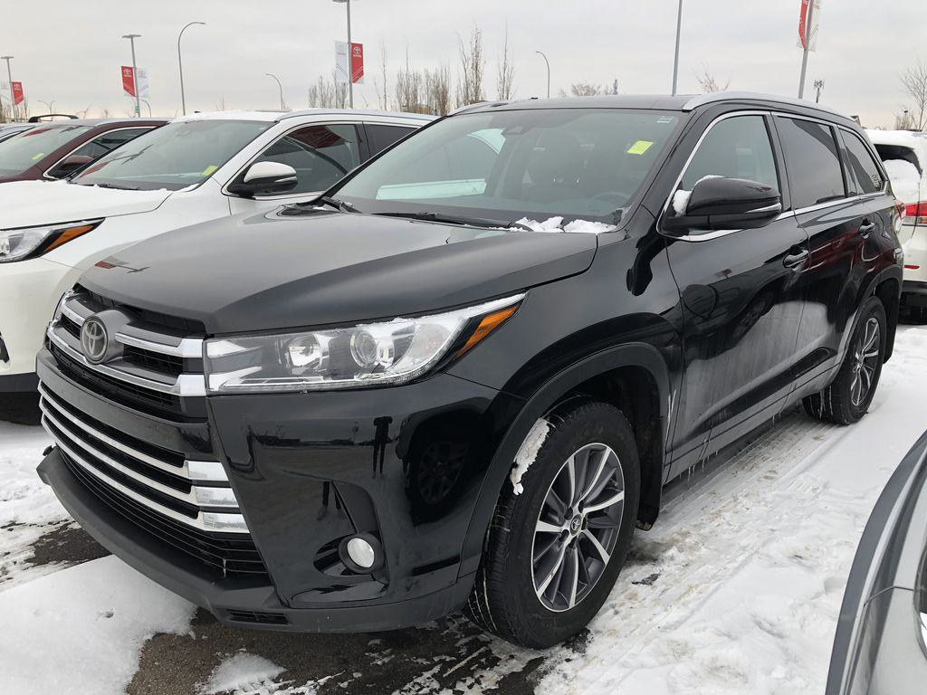 Black 2018 Toyota Highlander XLE Odometer Photo in Edmonton AB