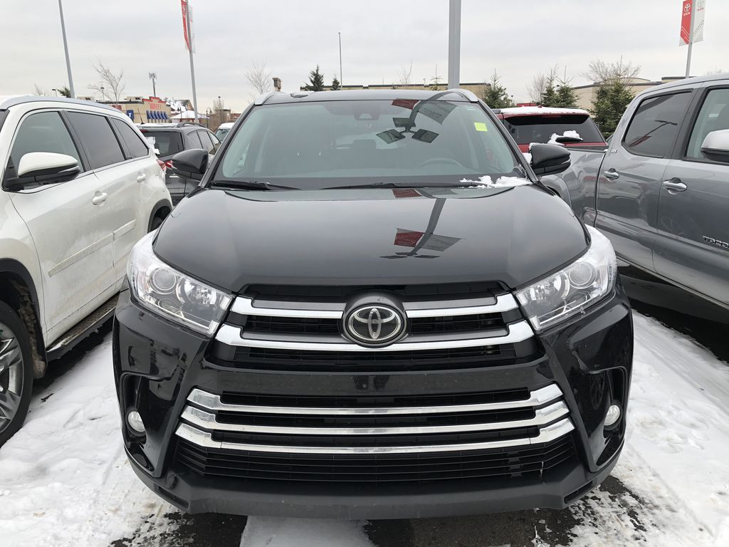 Black 2018 Toyota Highlander XLE Left Front Interior Photo in Edmonton AB
