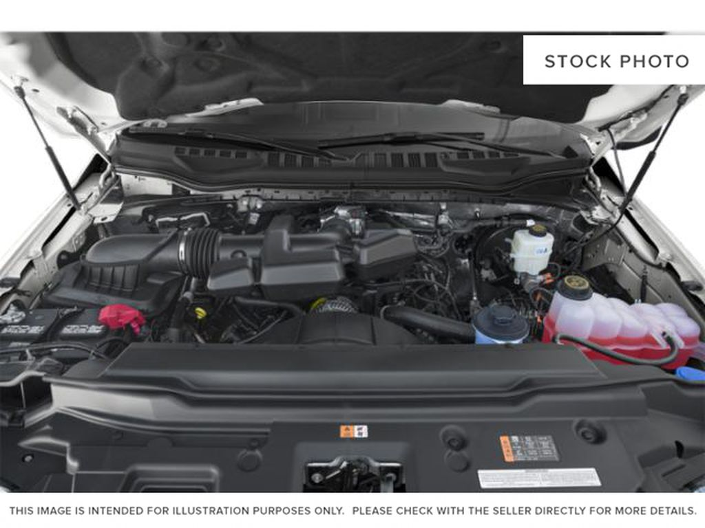 Black[Agate Black Metallic] 2019 Ford Super Duty F-350 SRW Engine Compartment Photo in Fort Macleod AB